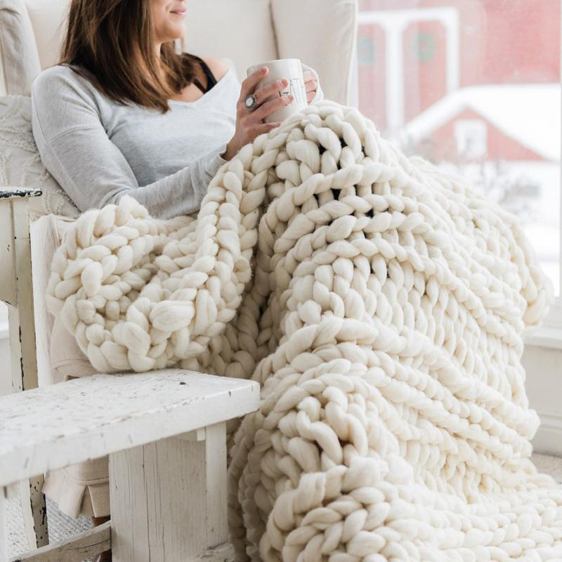 Warm Winter Luxury Handmade Crocheted Bed Knitted Sofa Cover Blanket 5 Colors Thick Thread Blanket Knitted Quilt Home Gift